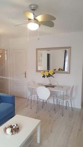 Precioso apartamento a 50 metros de la playa Wifi