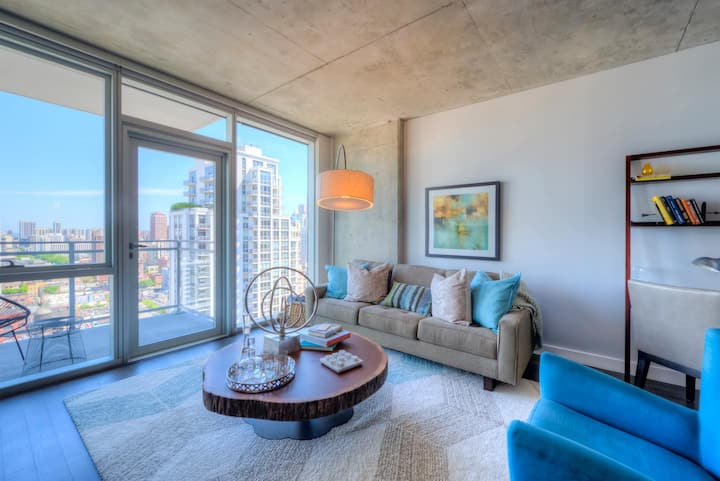 Amazing 1BR home in the heart of River North