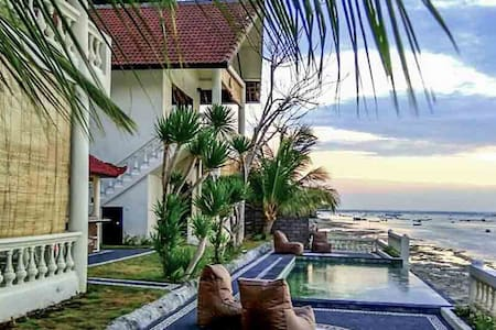 4 bedroom villa with pool and sea view in Ceningan - Nusapenida