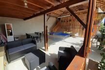 La salon sur la terrasse couverte