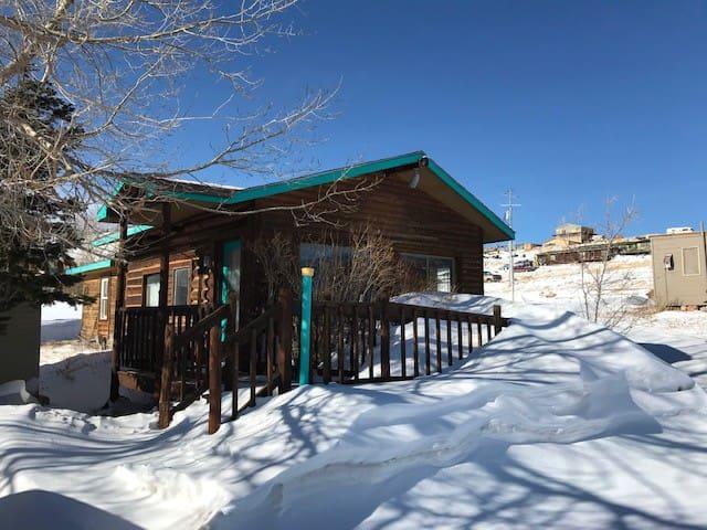 Versatile cabin in Centennial, Wyoming