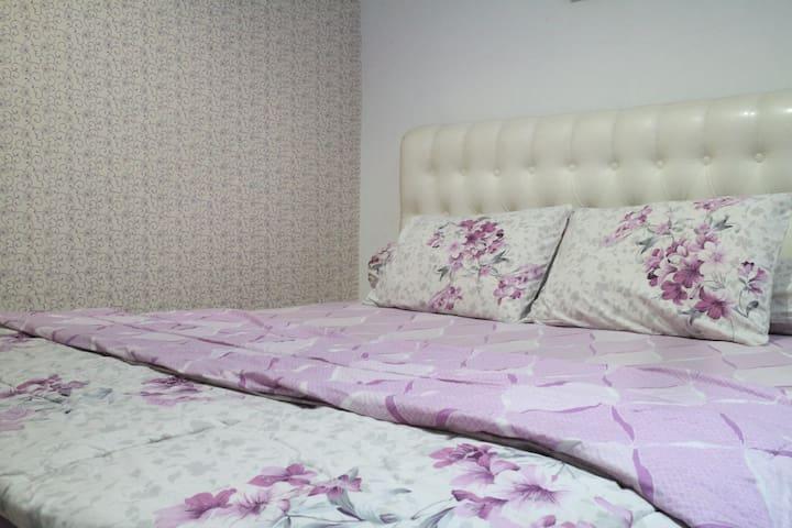 Arumdhalu Guesthouse - Orchard Room