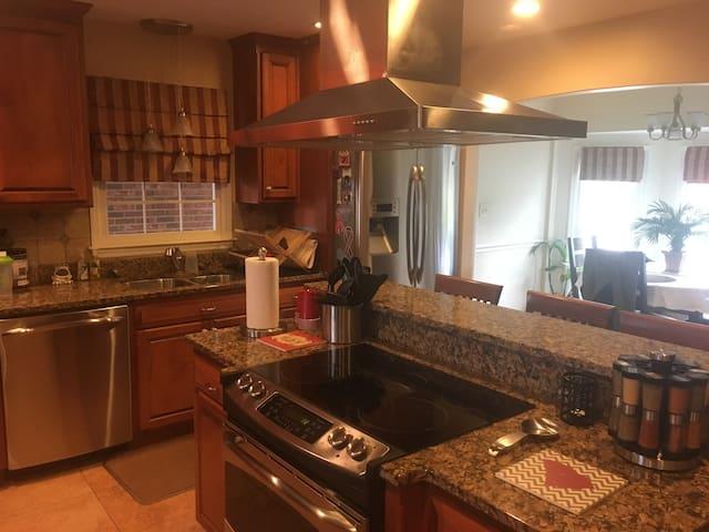Aiken/Augusta Family Home - Graniteville - Dom