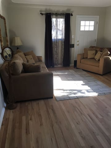 Beautiful  2 Bedroom Sunnyside Home Great Location - Denver - House