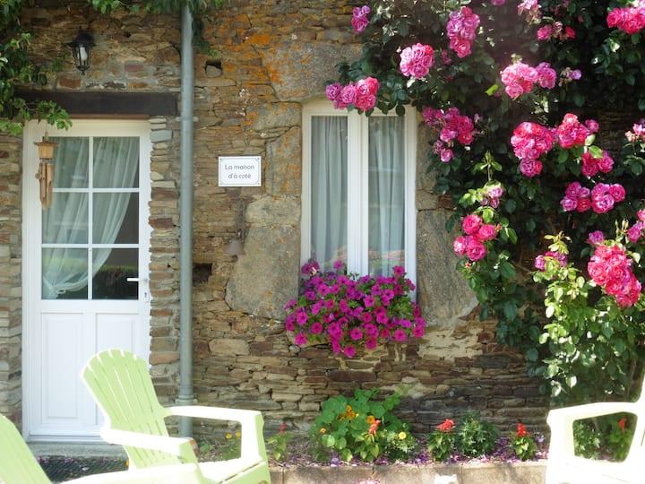 La maison d'à côté,située au centre de la Manche.