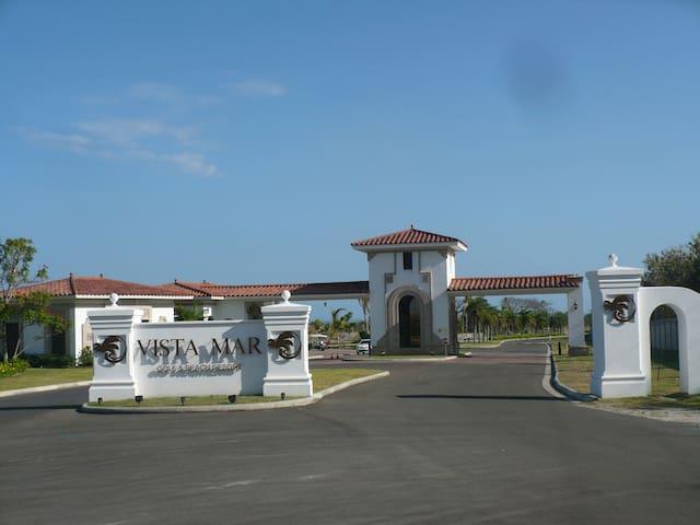 Vista Mar Golf & Beach Residences