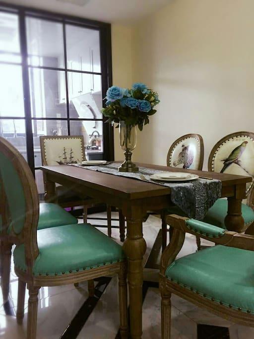 美式实木家具餐厅