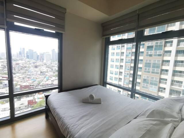 Classy 1BR in Park West BGC