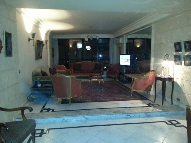 Cozy Apartment in the heart of Smouha - Dana Al Gadidah WA Izbat Al Westaneyah - Apartamento