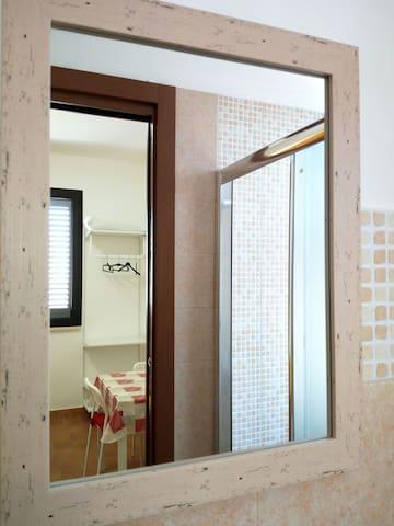 Vittoria Studio PUGLIA/SALENTO (stanza privata)