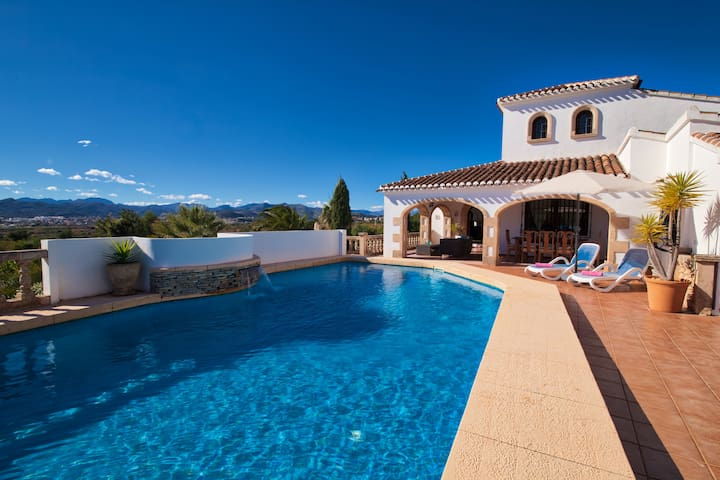 Los Arcos, Javea. A fantastic family holiday villa