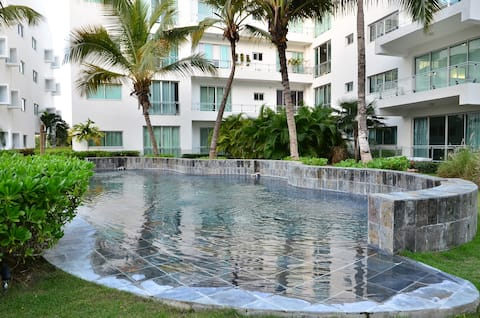 Watch Palms Sway from Balcony| Upscale P.C Condo
