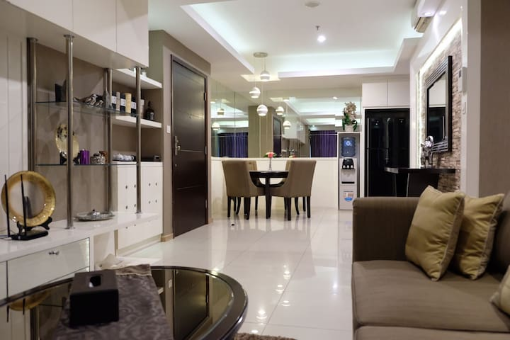 Jakarta City 3BR Modern & Luxury Apt Casa Grande