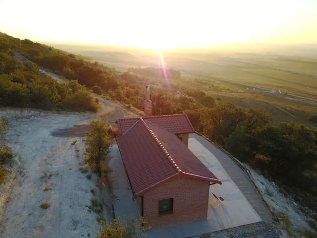 Vivienda rústica sobre el Valle del Arlanza