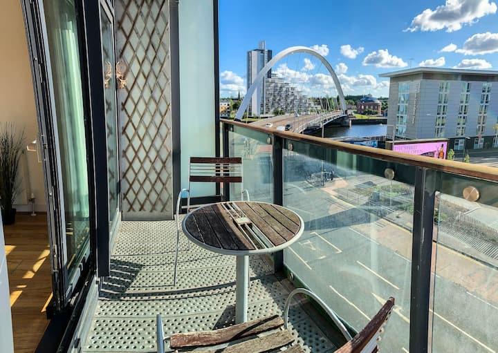 HYDRO/SECC 2 bed Luxury Apartment