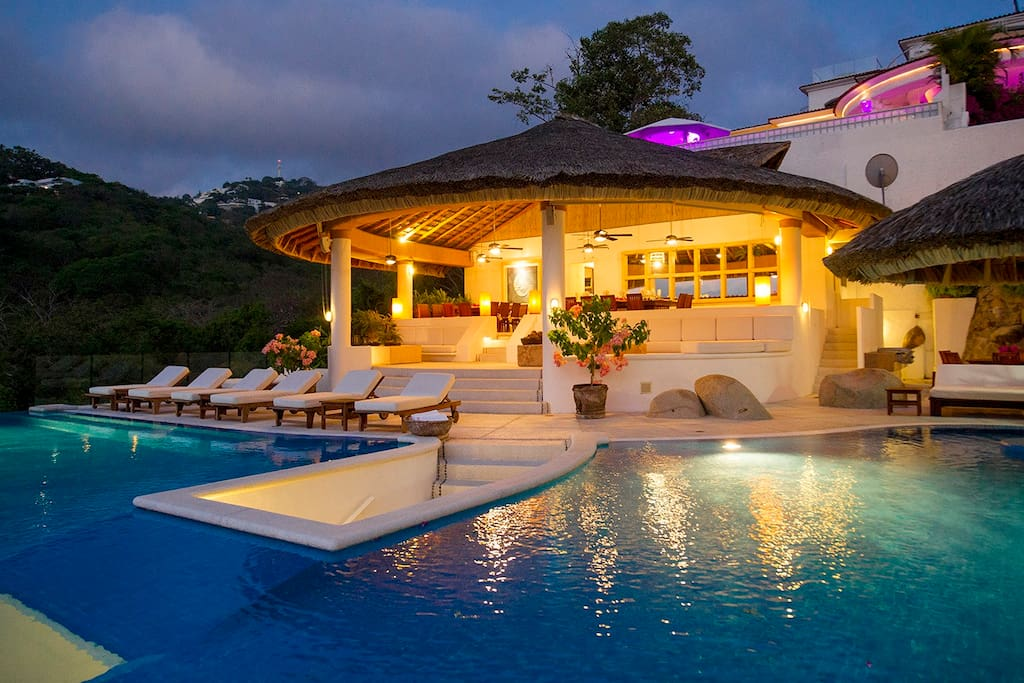 THIS IS the best house in Acapulco, no doubt.