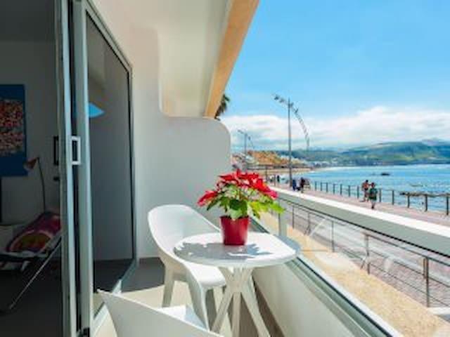 Apartamento en 1ª línea de playa - Las Palmas de Gran Canaria