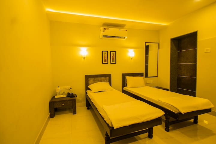 O'Nest Home Stay Deluxe Room