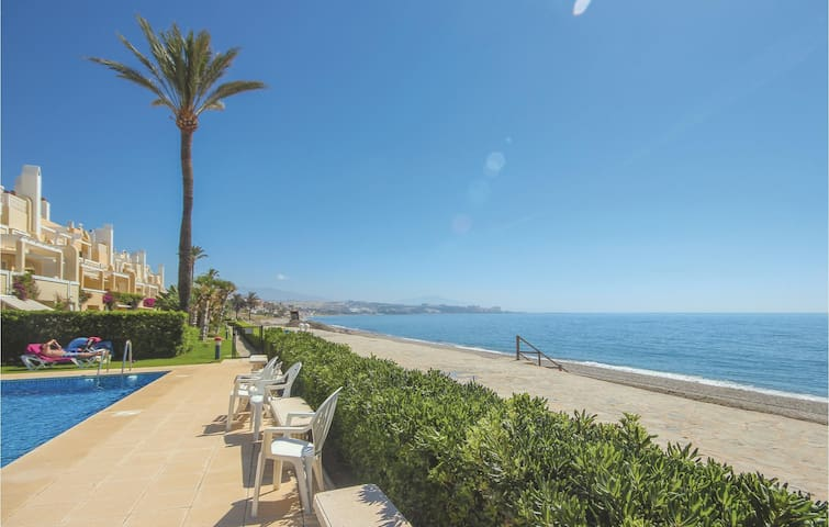 Holiday apartment with 2 bedrooms on 65m² in Estepona