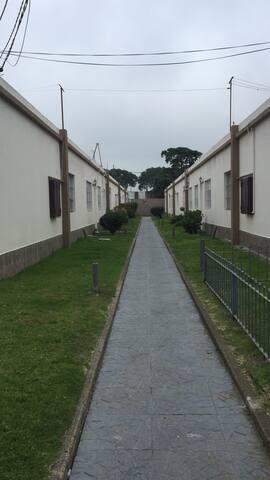 Casita tipo apartamento con patio