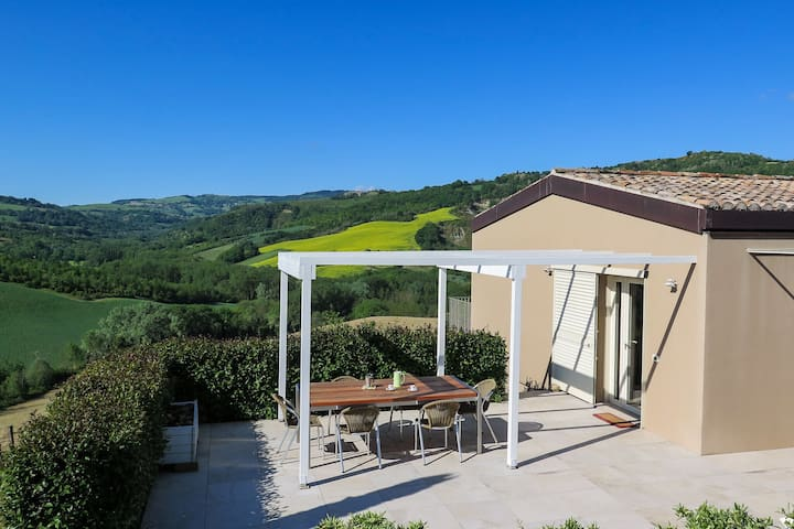 Cosy Holiday Home in Montefiore Conca - Rimini with Hot Tub