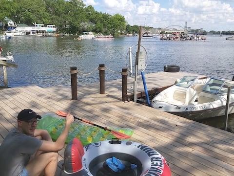 Indiana Beach Lakehouse ⛵2-9 Person, 80' shoreline