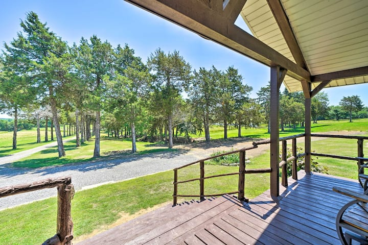 McAlester Family Cottage-30 Private Acres & Ponds!