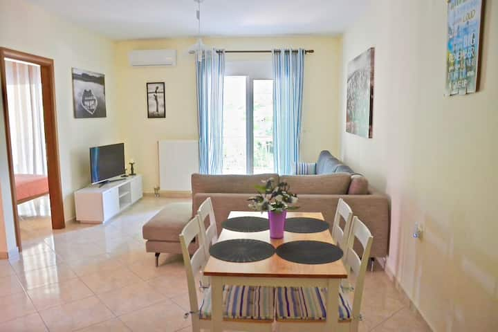 ALEX superior apartment 30m from the beach.