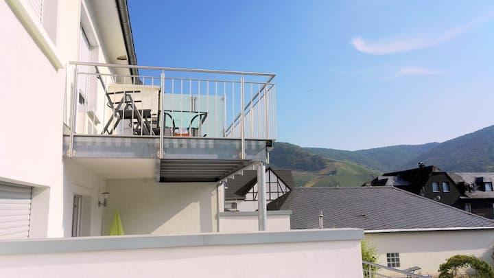 Bernkasteler Moselapartments mit Burgblick-Balkon