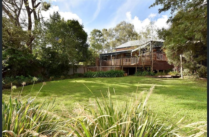 Napier Cottage - Cosy Couples Retreat in the Hills