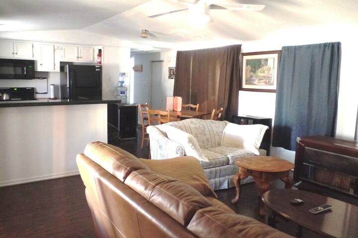 3BR/2BA,80+ Amenities, Sleeps 11, Pets, Wash/Dryer