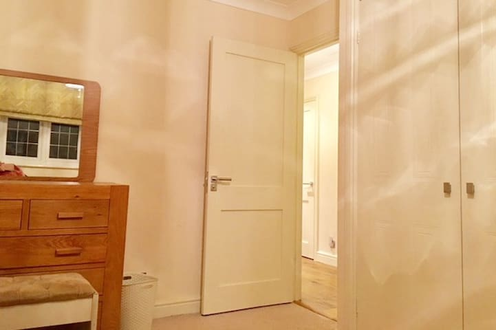 double wardrobe and dressing ,for exclusive use