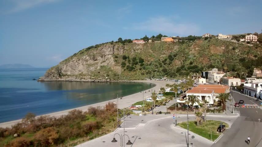 """""""Angonia"""" - Casa Vacanze a pochi metri dal mare"""