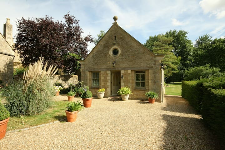 Garden Cottage, Cotswolds - Black Bourton, Burford - Rumah