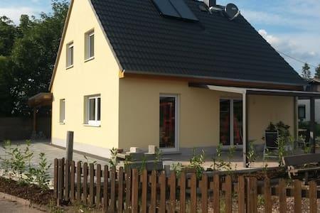 Nackterhof - Neuleiningen - Hus