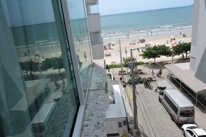 Lindo apartamento no centro de Meia Praia
