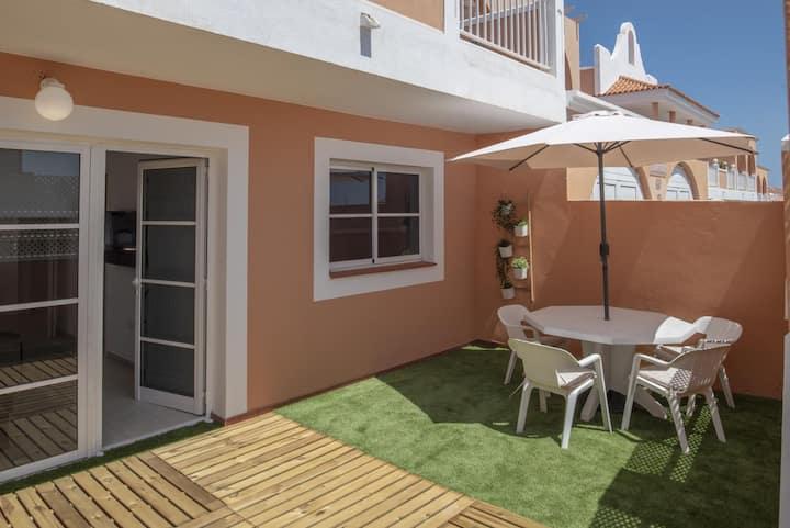 Fuerteventura family apartment pool by Lightbooking