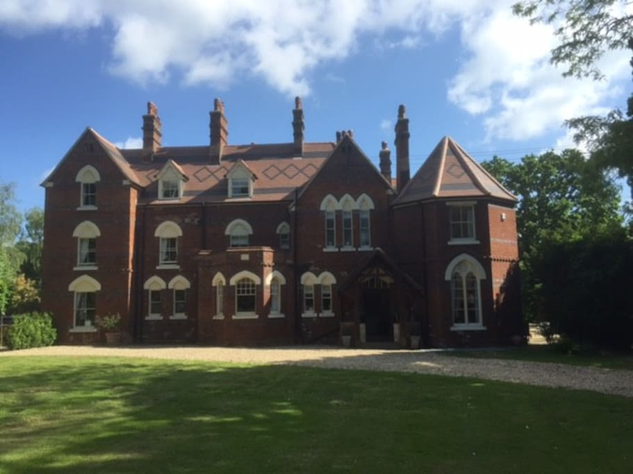 Clonmara Manor Exterior