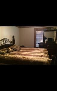 Bedroom #2 - Dům