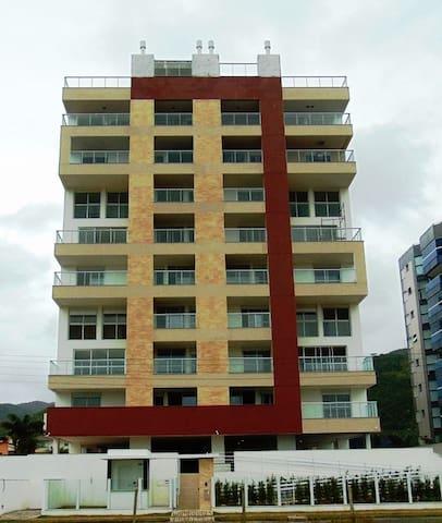 Apartamento PRAIA DE PALMAS SC 200m da praia