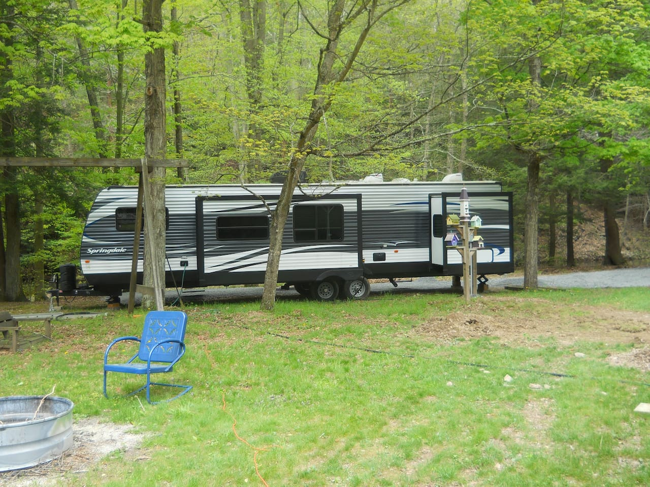 38 Foot Luxury Camper With 2 Slideouts