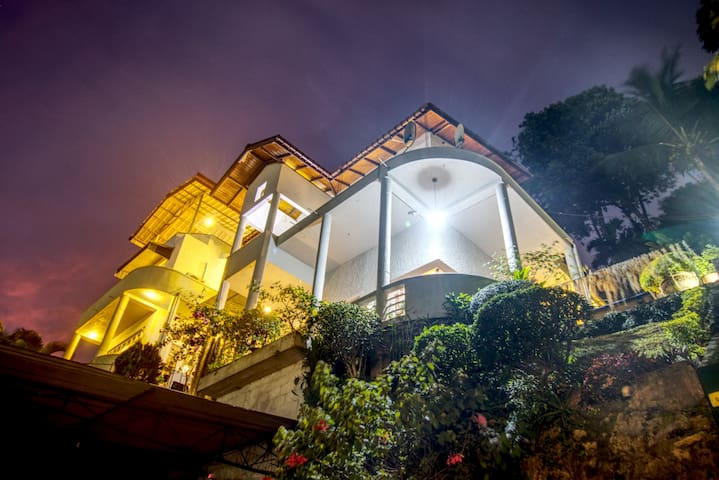 Marvel Hills Kandy -  Deluxe Room 1 - 1 Km to city