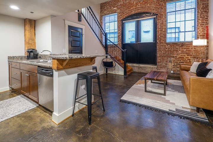 NEW PRIME modern downtown loft!