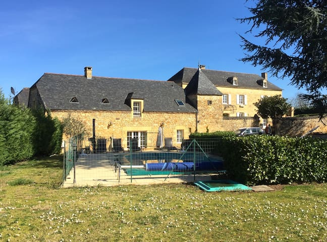 3 bedroom luxury villa with pool, near Sarlat - Saint-Crépin-et-Carlucet