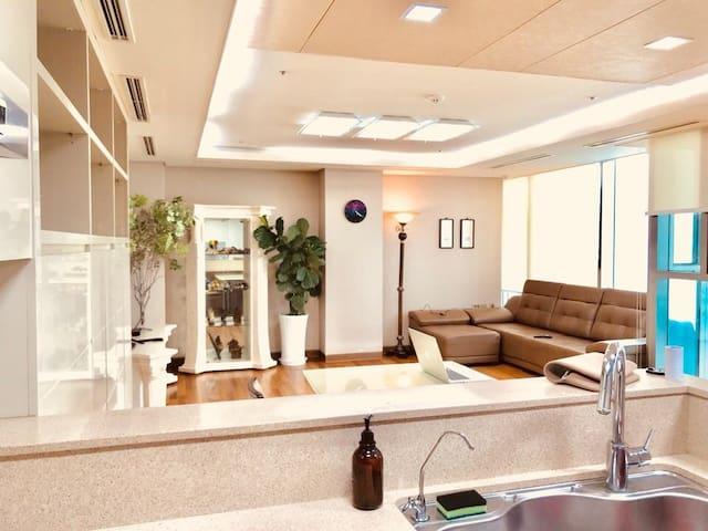 (송도) '참좋은 인연'을 위한 넓고 이쁜집 (56평형) Huge one bed flat.