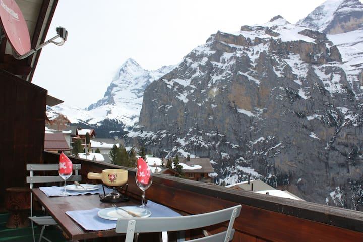 Murren apartment, balcony, garden & awesome views. - Mürren - Appartement