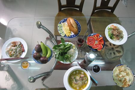 Orchid Family Homestay - Breakfast included