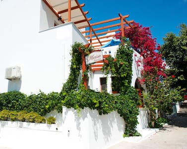 Relax at Marisa's Rooms   (Paros island)