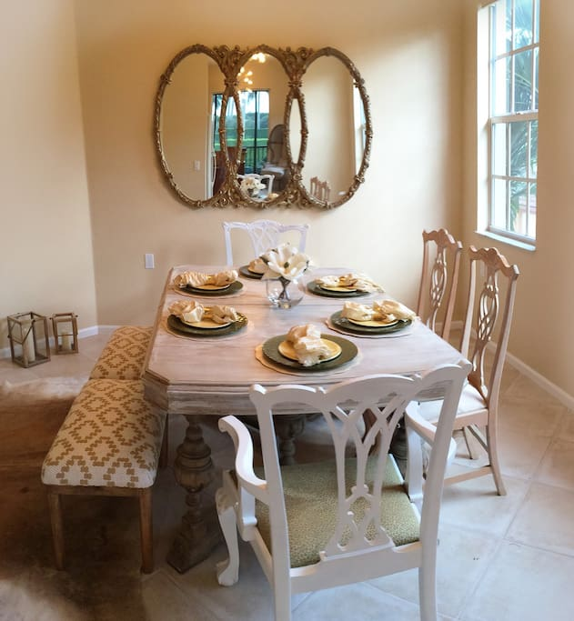 Dining room for 6-8 people