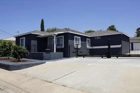 Sanitized & Clean - 3BR/2BA Main House Homestay